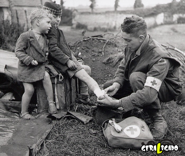 25 momentos históricos registrados em fotos que vão nos encher de esperança com a humanidade!