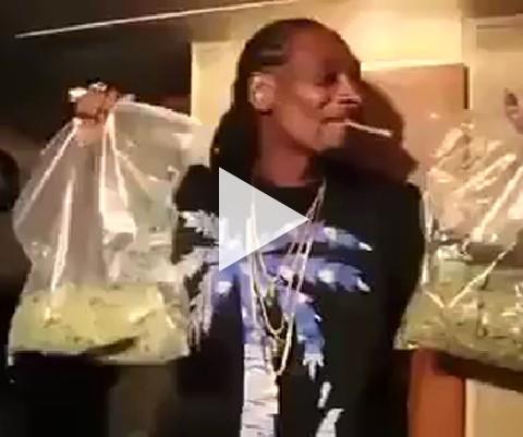 Snoop dogg é o cara mais feliz do mundo, porque