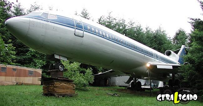 Você teria coragem de morar dentro de um avião velho
