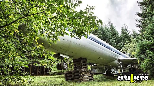 Você teria coragem de morar dentro de um avião velho12
