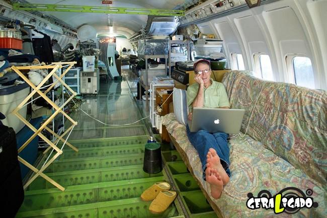 Você teria coragem de morar dentro de um avião velho2