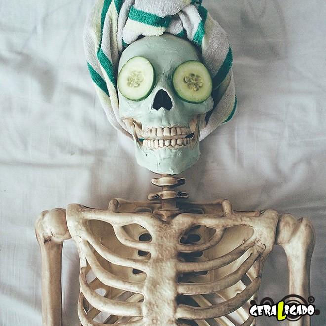 Skellie, um esqueleto que imita as garotas do Instagram1