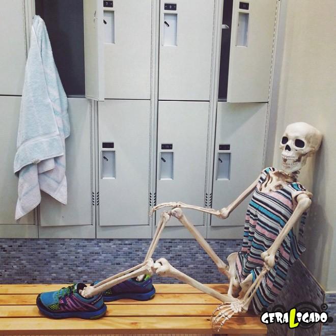 Skellie, um esqueleto que imita as garotas do Instagram6