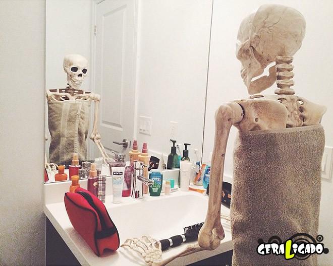 Skellie, um esqueleto que imita as garotas do Instagram8
