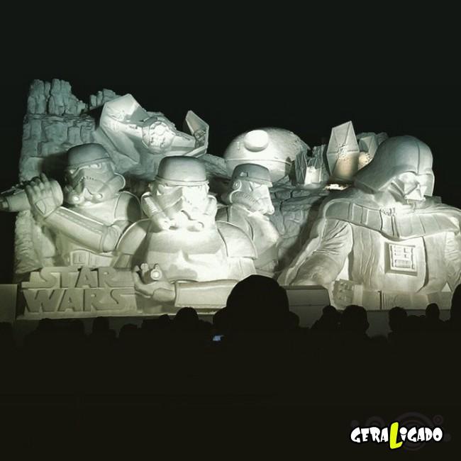 Exército japonês usa neve para criar escultura de Star Wars11