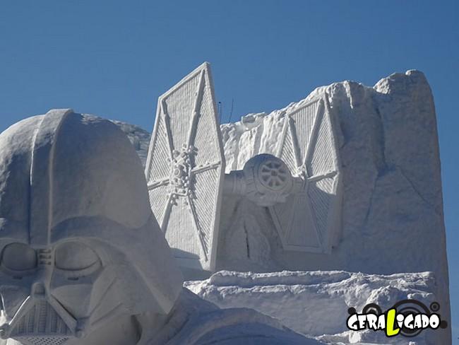 Exército japonês usa neve para criar escultura de Star Wars2