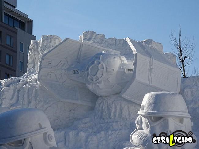 Exército japonês usa neve para criar escultura de Star Wars3