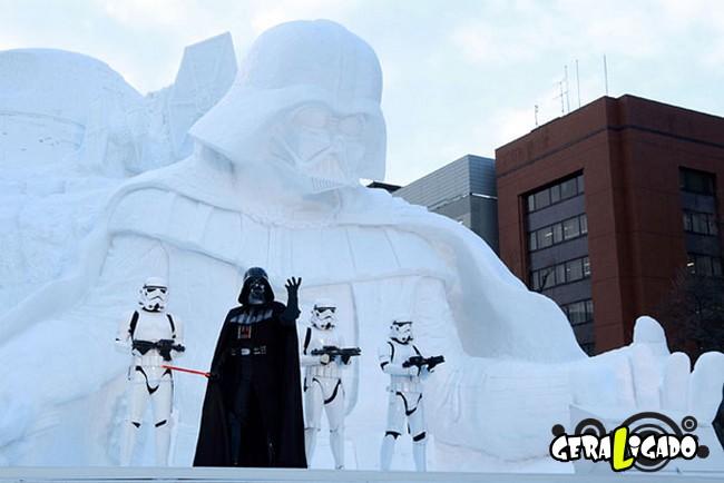 Exército japonês usa neve para criar escultura de Star Wars5