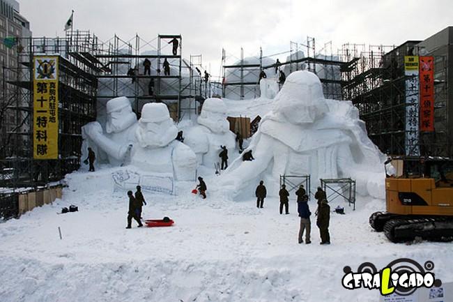 Exército japonês usa neve para criar escultura de Star Wars6