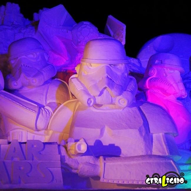 Exército japonês usa neve para criar escultura de Star Wars8