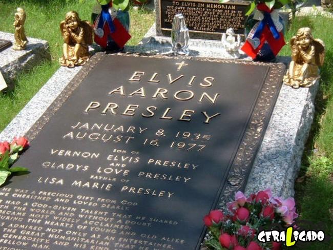 Os túmulos de algumas das maiores celebridades da história4
