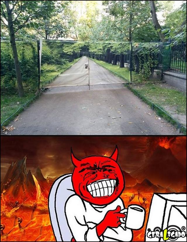 1 O cara que fez esse portão vai para o inferno