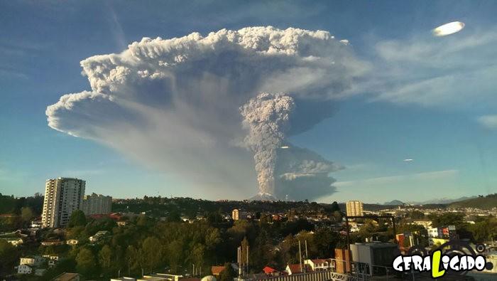 Fotografias incríveis mostram a erupção do vulcão Calbuco12