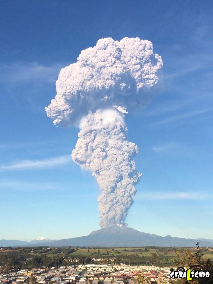 Fotografias incríveis mostram a erupção do vulcão Calbuco13