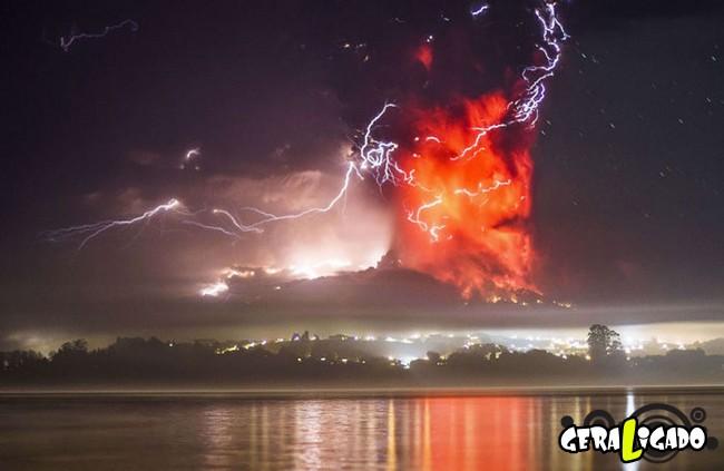 Fotografias incríveis mostram a erupção do vulcão Calbuco15