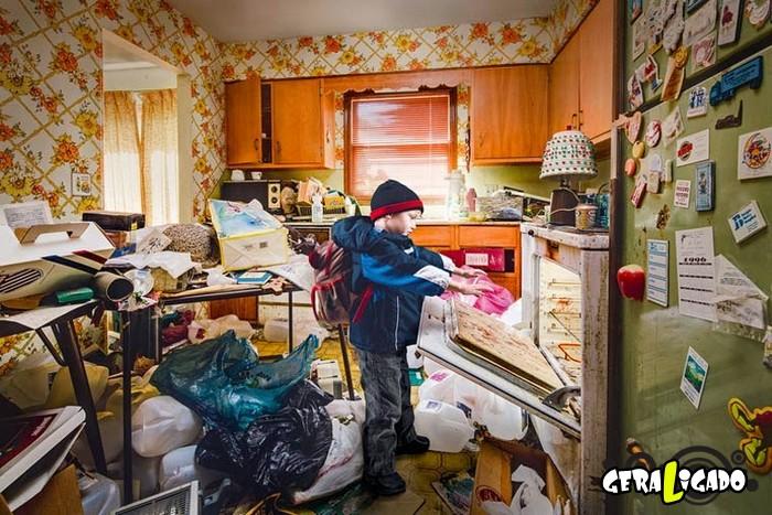 Veja como vivem crianças que têm pais acumuladores