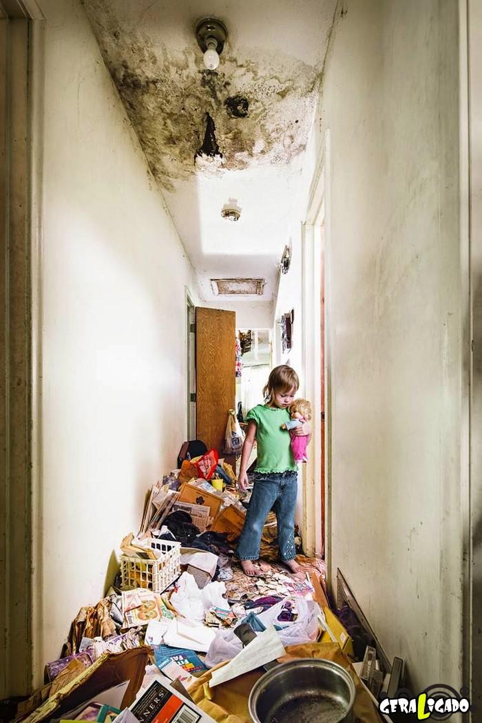 Veja como vivem crianças que têm pais acumuladores10