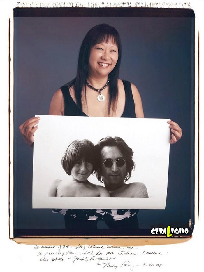 Fotógrafos famosos posando com suas imagens icônicas7