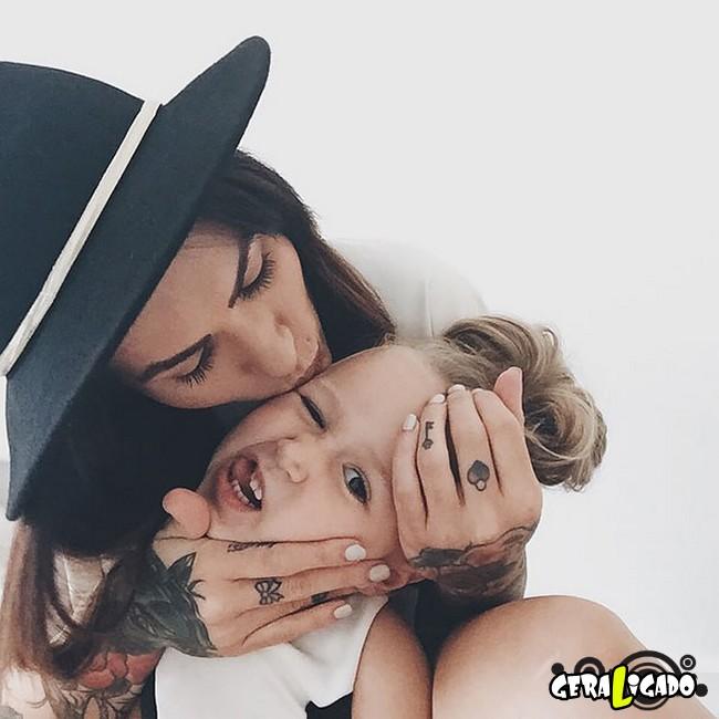 Imagens de lindos bebês com seus pais tatuados12