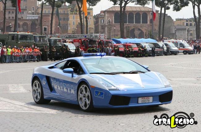 Os carros de polícia, mais caros, luxuosos e velozes do mundo13