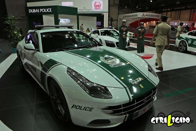 Os carros de polícia, mais caros, luxuosos e velozes do mundo3