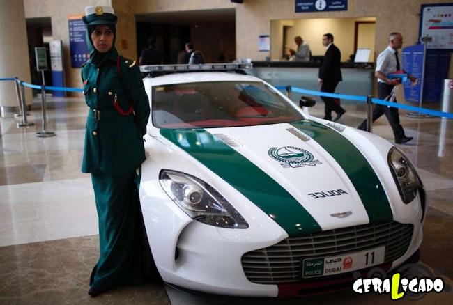 Os carros de polícia, mais caros, luxuosos e velozes do mundo4