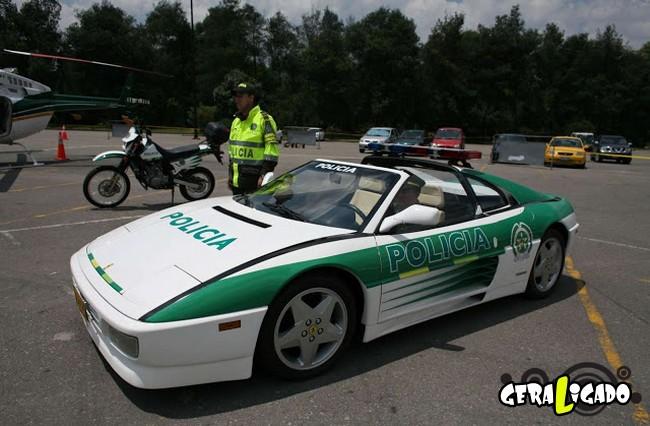 Os carros de polícia, mais caros, luxuosos e velozes do mundo5