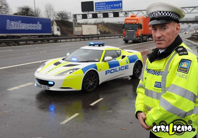 Os carros de polícia, mais caros, luxuosos e velozes do mundo7