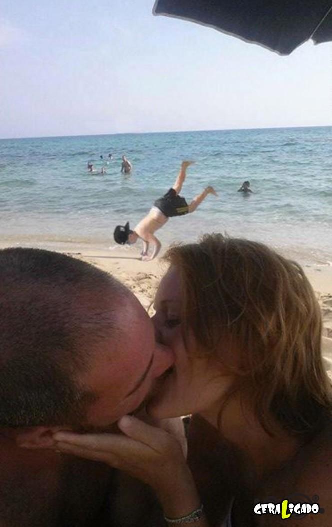 Casal pede uma ajuda no photoshop e são trollados mundialmente