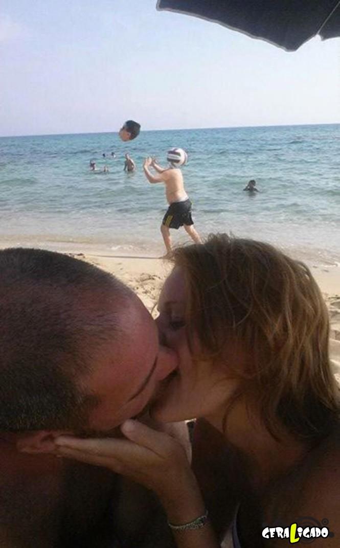 Casal pede uma ajuda no photoshop e são trollados mundialmente8