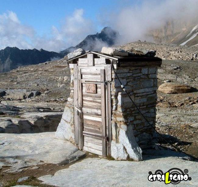 Banheiro publicos demonstra como é cada nação.12