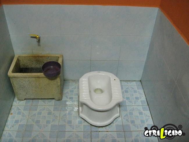 Banheiro publicos demonstra como é cada nação.20