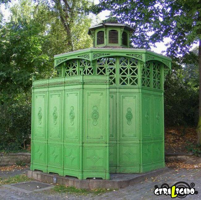 Banheiro publicos demonstra como é cada nação.3