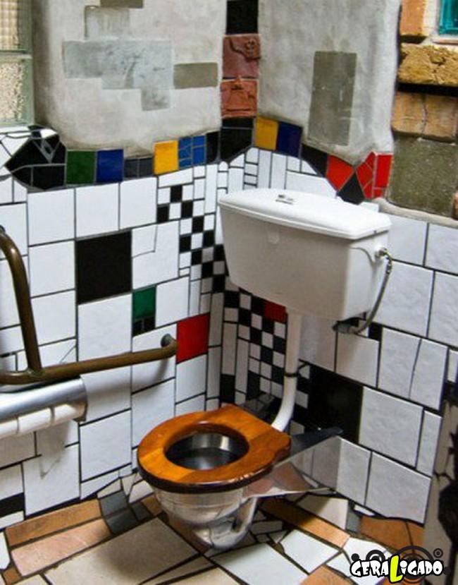 Banheiro publicos demonstra como é cada nação.8