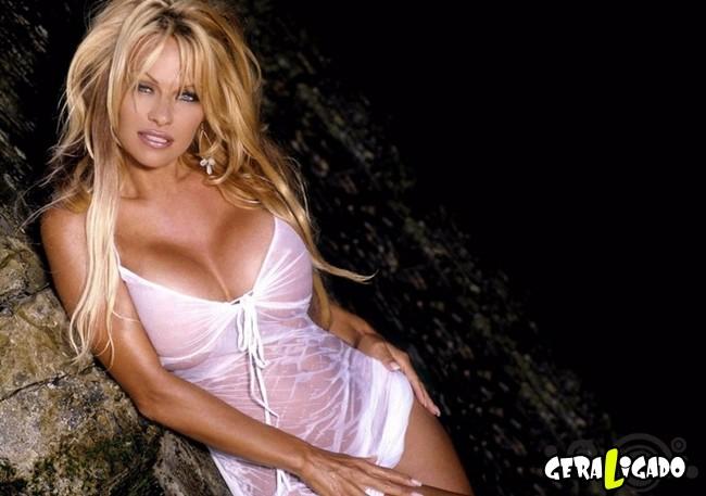 Celebridades que você talvez nem saiba que posaram para a Playboy1
