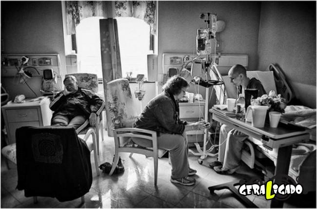 Marido fotografa a evolução do câncer em sua mulher até a morte26