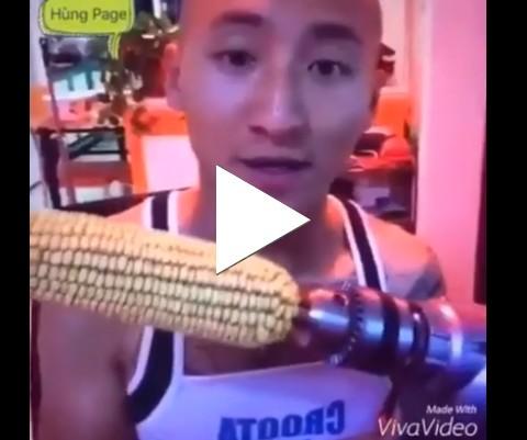 Homem tenta comer milho com furadeira e perde os dentes