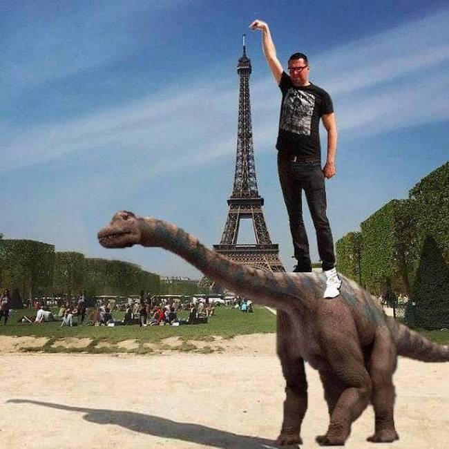 Gostaria que meu dedo tocasse na ponta da Torre Eiffel12