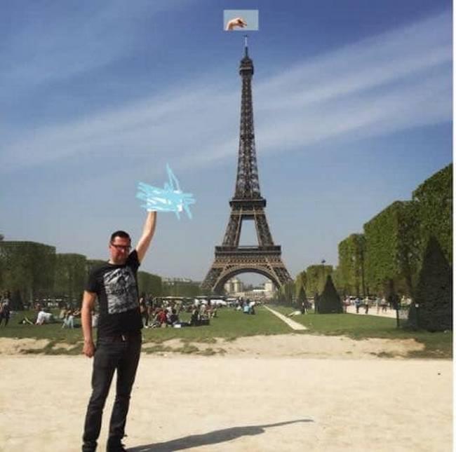 Gostaria que meu dedo tocasse na ponta da Torre Eiffel5