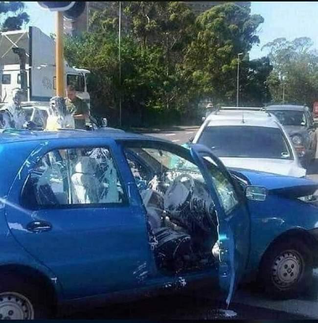 Se seu dia está ruim imagine pra quem bateu o carro com um balde de tinta dentro!1